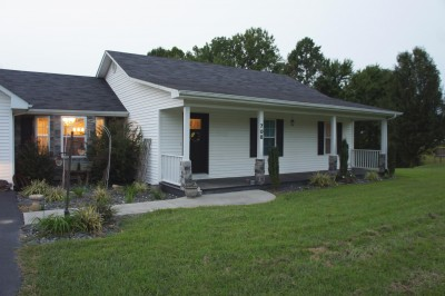 708 G V Hale Ave., Russell Springs, KY